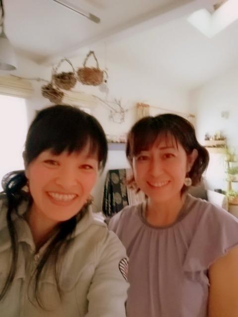 北海道札幌市で活動する陰ヨガインストラクターのHiroko Saitoさん。PADMA AROMA主宰ナチュラルケアセラピストの陰ヨガとアロマ。