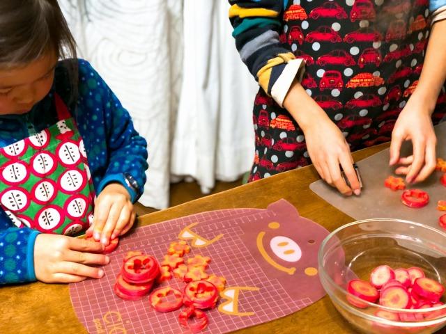 地球まるごと遊び場に おせち料理作り 大晦日、30日、子どもと一緒に楽しみます。