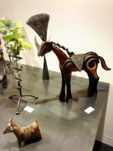 鉄と木を使った作品。RAM工房、アトリエ 北海道、ニセコ