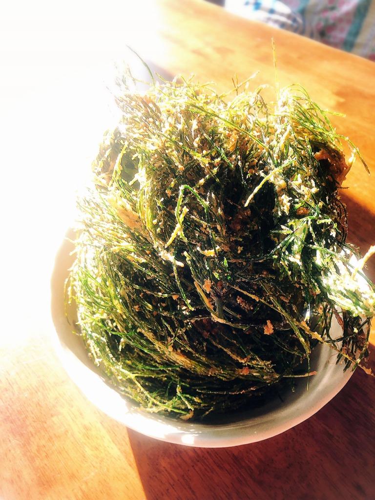 米ぬか、米糠活用法。スギナの天ぷら、唐揚げ、素揚げてんこ盛り。地球まるごと遊び場に