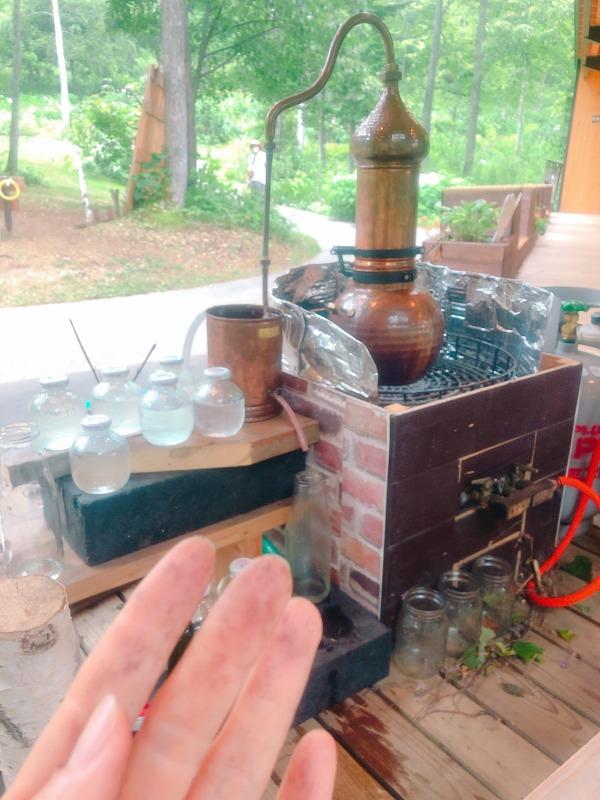 大雪森のガーデン交流体験館チュプでエッセンシャルウォーター作り体験WS、エゾ松とトドマツから。